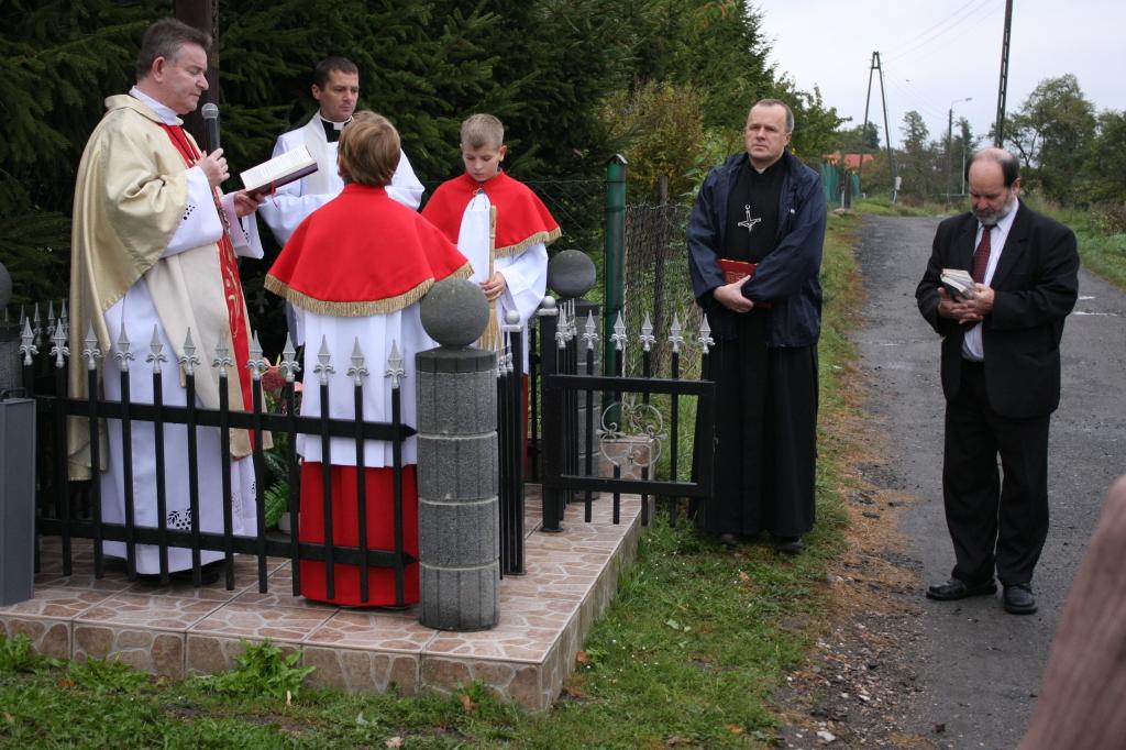 Modlitwa przy Krzyżu Misyjnym.